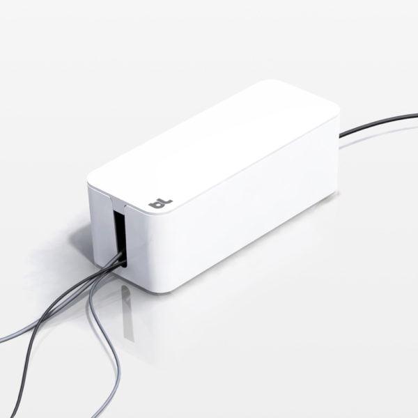 λευκό CableBox από τη Bluelounge για την απόκρυψη καλωδίων στο χώρο geekers.gr
